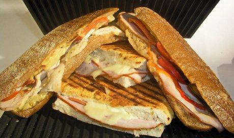 Vente de sandwich chaud à Vichy